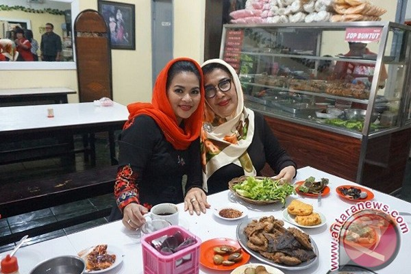Puti Guntur Soekarnoputri Dan Makanan Sunda