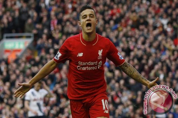 Manchester United akan bertahan lawan Liverpool, kata Dalglish