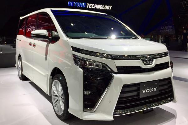 Toyota Voxy sudah dipesan hampir 300 unit di GIIAS 2017