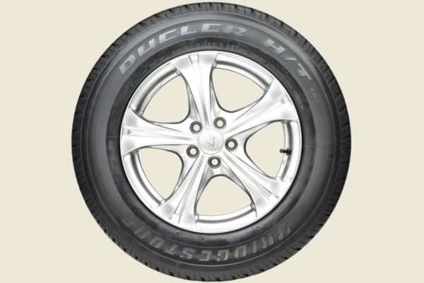 Bridgestone Dueler H/T 684 jadi ban resmi New Pajero Sport