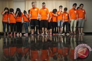 143 pelaku penipuan di Indonesia tiba di China