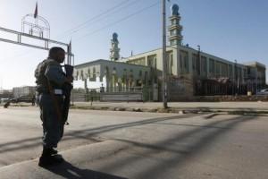 Dua pembom bunuh diri serang masjid di Afghanistan, tewaskan 72 orang