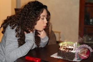 Ada bahaya di balik tradisi tiup lilin ulang tahun