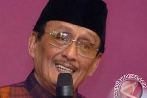 Jenazah Basofi Soedirman dimakamkan