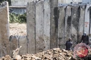 Pemasangan Turap Bukit Duri