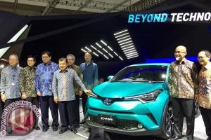 Wapres kunjungi booth Toyota di GIIAS 2017 (video)