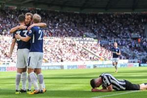 Spurs bungkam 10 pemain Newcastle 2-0