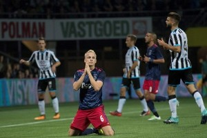 Ajax awali musim tersungkur di markas Heracles
