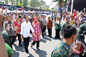 Presiden Saksikan Jember Fashion Carnaval
