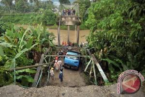 Jembatan Ambruk
