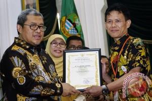 Penghargaan Masyarakat Berprestasi