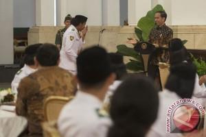 Presiden silaturahim dengan Paskibraka dan para teladan