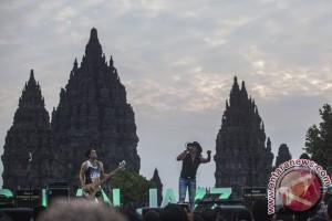 Arkeolog protes festival rock di halaman Prambanan