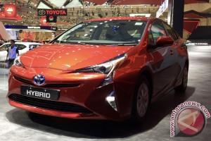 Ingin punya Prius Gen 4? Pesan dulu, harga Rp800 juta