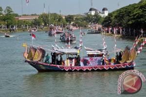 Pawai Perahu Hias Nusantara
