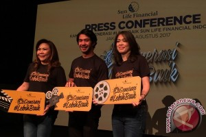 Reza Rahadian kembali ke kursi sutradara