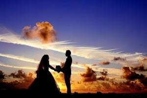 Bisakah membuat pesta pernikahan yang surplus?