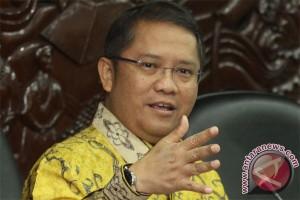 Menteri komunikasi dan informatika minta media pers daring diverifikasi