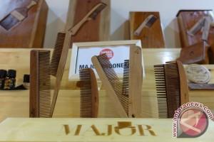 Aneka barang kayu hingga rotan di Pasar Kreasi Indonesia