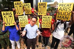Tuntut Pemecatan Direktur Penyidikan KPK