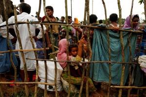 Tekanan pada Suu Kyi meningkat saat 123.600 Rohingya mengungsi