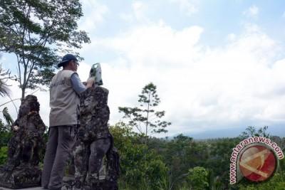 Kemarin, Gunung Agung berstatus awas hingga lelang mobil KPK