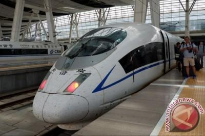 Kereta cepat Tiongkok memikat hati
