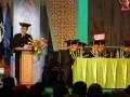 Menpora Imam Nahrawi (kiri) menyampaikan orasi ilmiah disela pengukuhan gelar Doktor Honoris Causa di Gedung Sport Center and Multipurpose UIN Sunan Ampel, Surabaya, Jawa Timur, Kamis (14/9/2017). Menpora Imam Nahrawi mendapatkan gelar Doktor Honoris Causa dalam bidang kepemimpinan pemuda berbasis agama yang bisa menjadi solusi bagi permasalahan bangsa. (ANTARA FOTO/Moch Asim)
