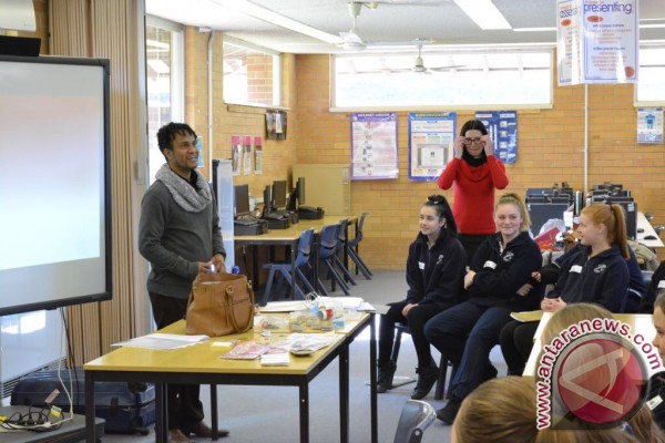 Indonesian Consulate teaches Indonesian for Australian students