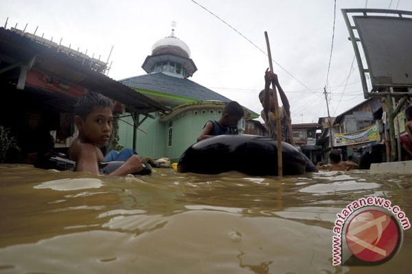 Indonesia hit by more floods in 2017