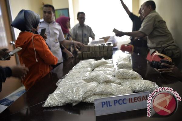 Tim Bareskrim Polri gerebek pabrik PCC di Purwokerto