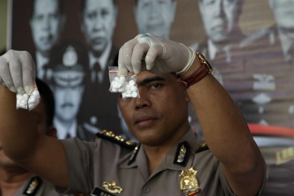 Polisi: Surabaya hanya lokasi gudang transit pil PCC