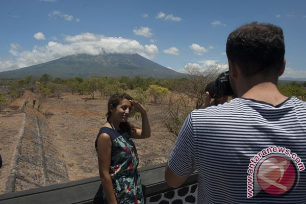 Tourism in Bali safe amid alert status of Mount Agung
