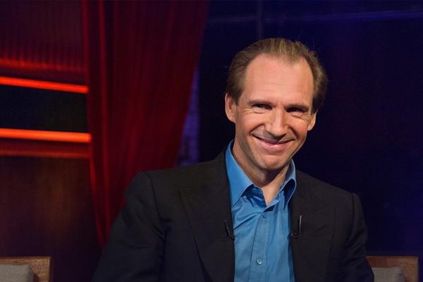 Aktor Ralph Fiennes Dapat Kewarganegaraan Serbia