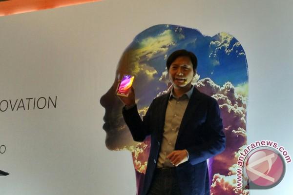 Bos Xiaomi Pamerkan Mi Mix 2 Saat Kunjungan Ke Jakarta