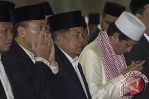 Wapres Kalla memaknai Idul Adha sebagai pengorbanan bagi kemajuan bangsa