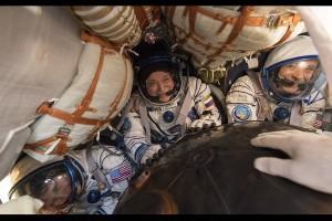 Astronaut pencetak rekor AS kembali ke Bumi