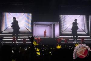 "G-Dragon buka konser ""Act III: M.O.T.T.E"" dengan ""Heartbreaker"""