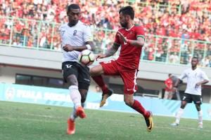 Kemarin penonton laga Indonesia vs Fiji tewas kena petasan, daging kurban dari Presiden dibagikan