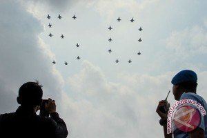 F-16 Fighting Falcon Indonesia-Singapura selesaikan formasi RISing 50