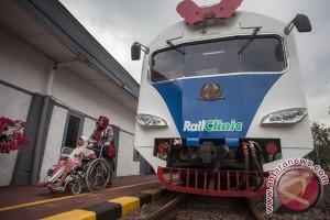 Bakti Sosial Rail Clinic