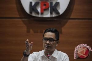 KPK periksa adik Andi Narogong