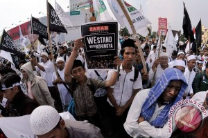 PKS: bawa kasus Rohingya ke Mahkamah Internasional
