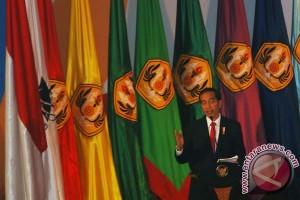 Jokowi asks universities to advance e-commerce studies