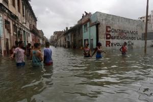 14 ditangkap di Kuba karena menjarah selama Irma menerjang