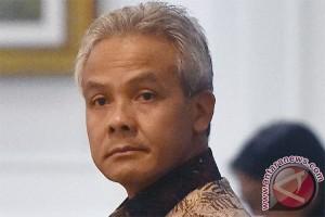Ganjar dorong kabupaten/kota terus permudah izin investasi