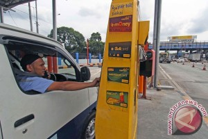 Akhir bulan ini, jalan tol Jakarta-Cikampek terapkan pembayaran non tunai