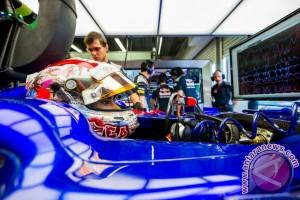 Hujan sambut Sean debut FP1 GP Singapura