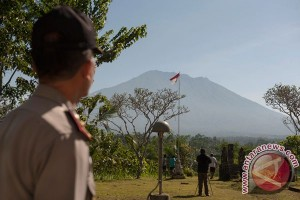 PVMBG: sterilkan radius 7,5 km Gunung Agung