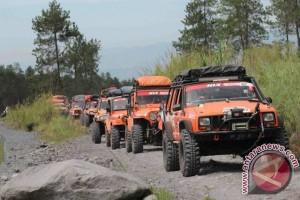 87 kendaraan siap tembus jalur ekstrim Sulawesi